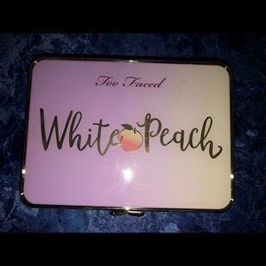 White peach pallet